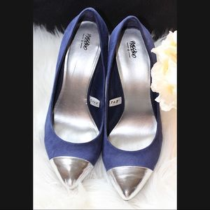 Women shoes blue with silver toe